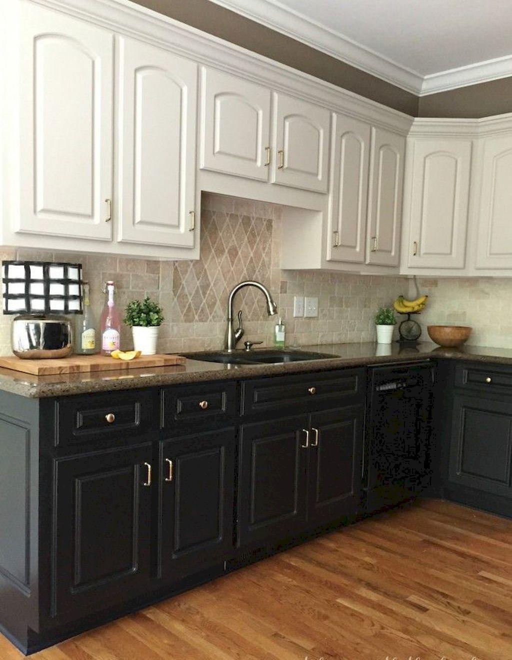 Kitchen Cabinets095