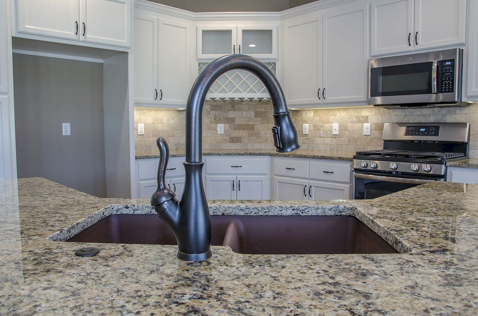 Kitchen Sink040