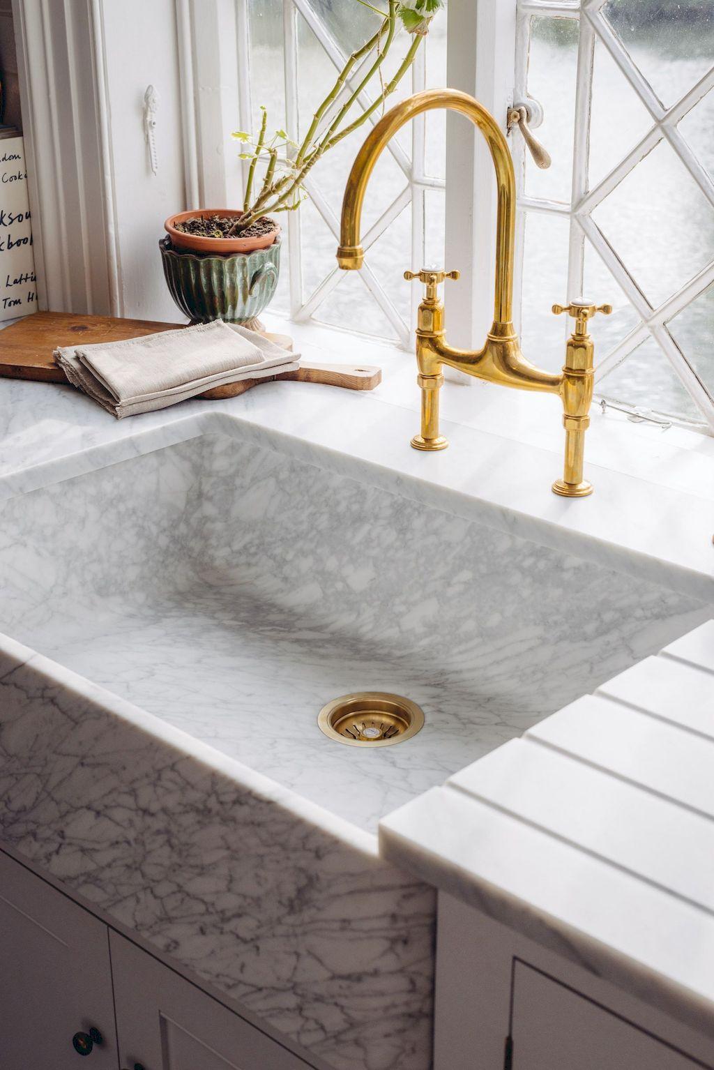 Kitchen Sink096