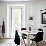 Round Dining Room Tables Decoration Ideas 137
