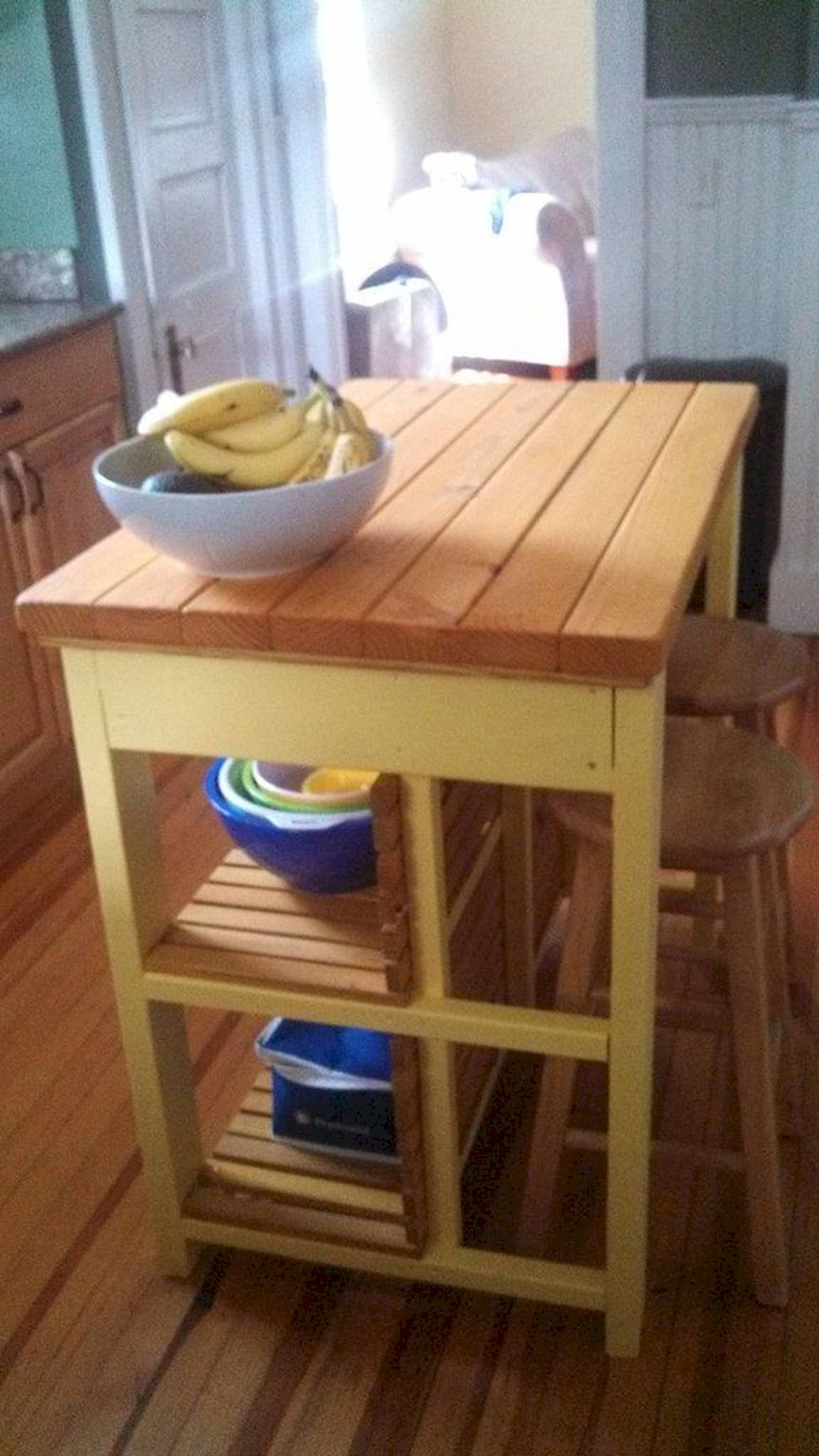 Small Island Kitchen Table042