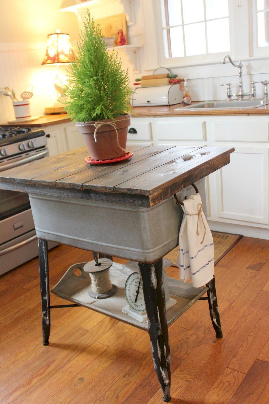 Small Island Kitchen Table091