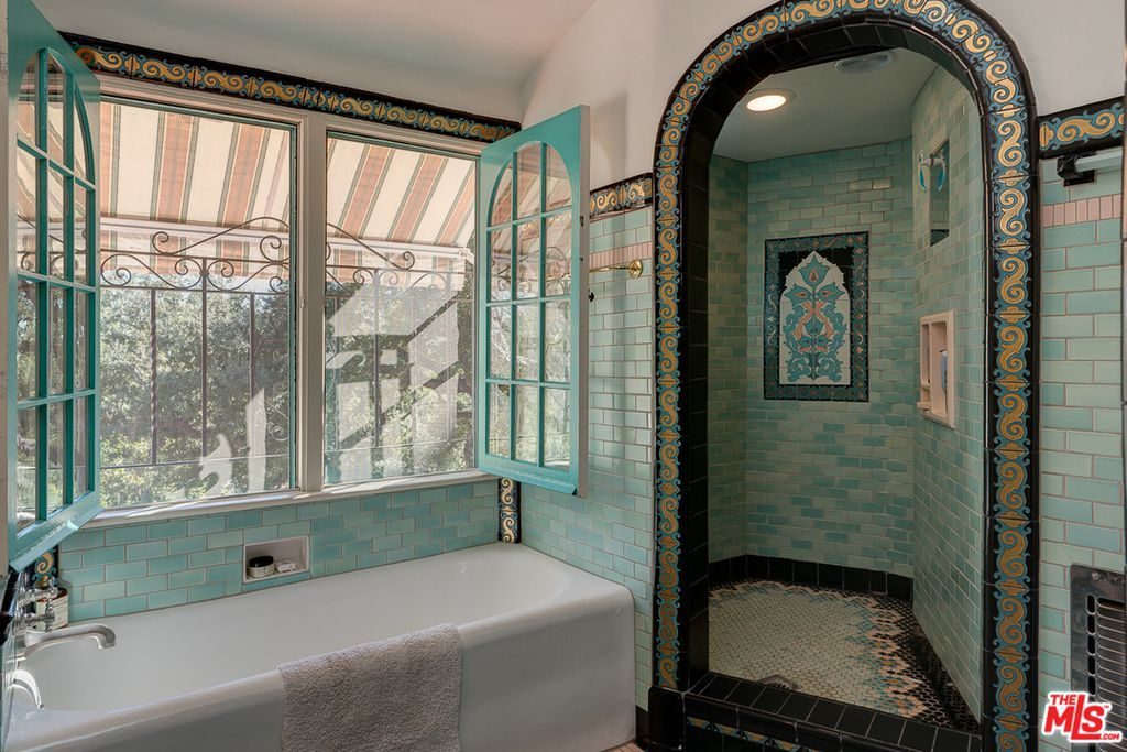 Spa Bathroom004