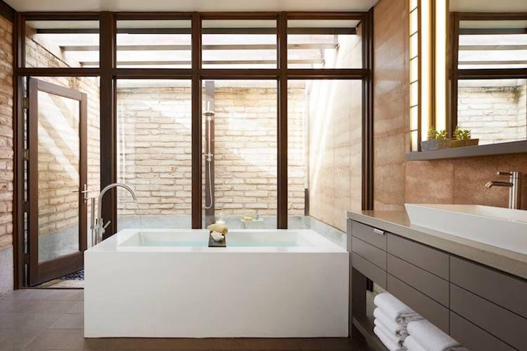 Spa Bathroom015