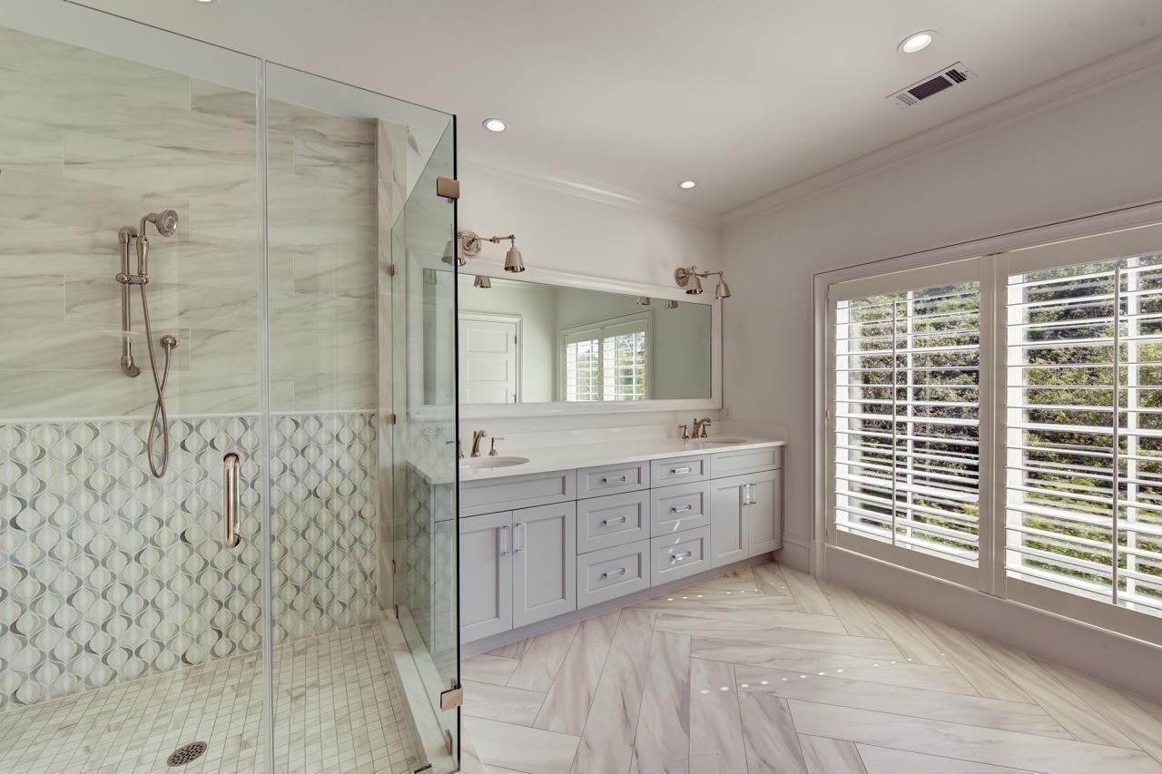 Spa Bathroom158