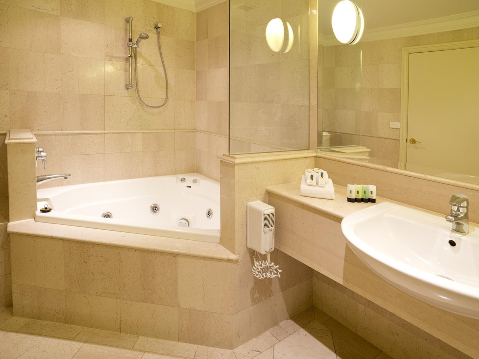 Spa Bathroom162