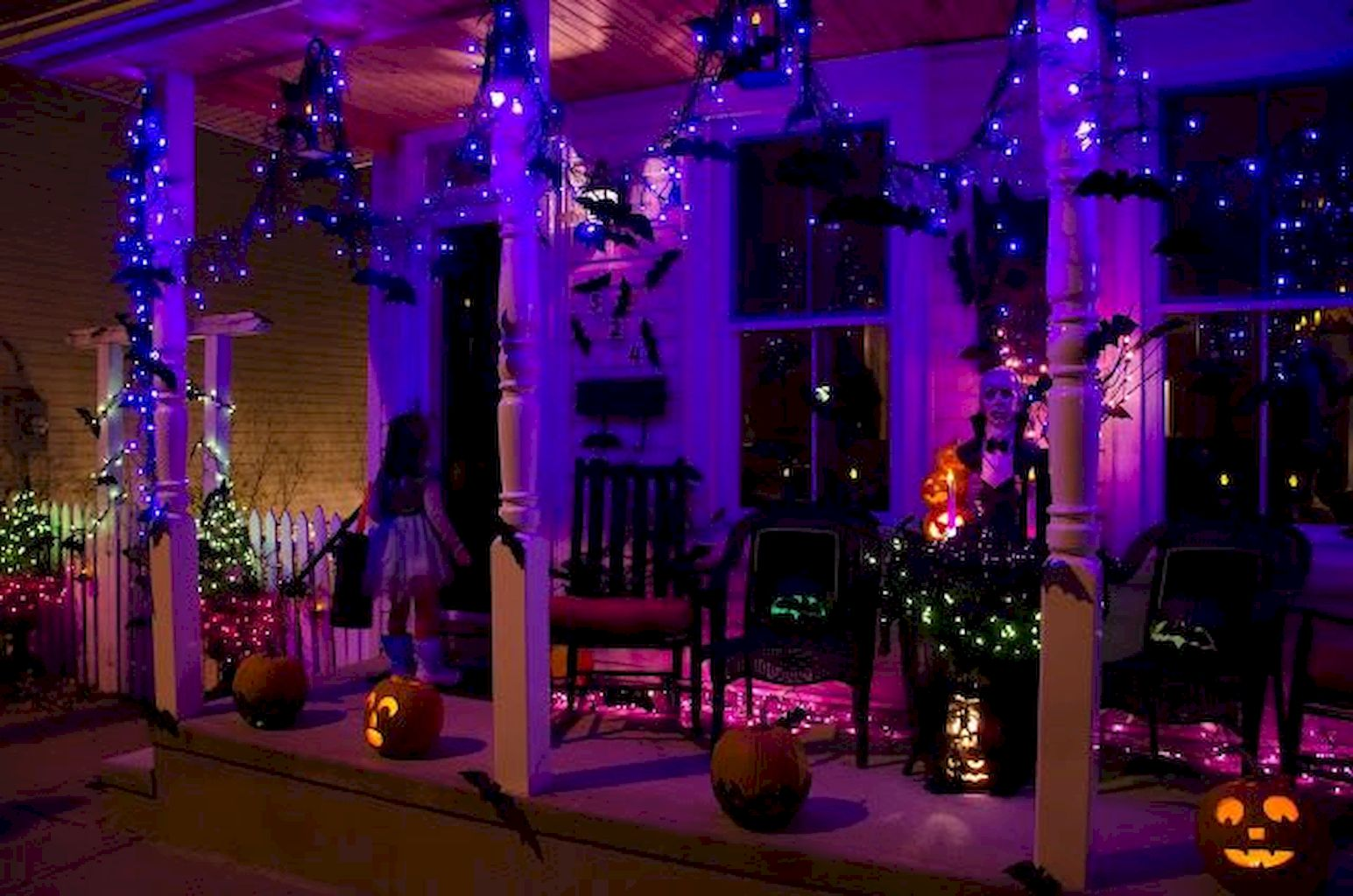 Classy Halloween Party Decoration 87
