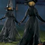Vintage Halloween Decorating Farmhouse For Spooky Home 6