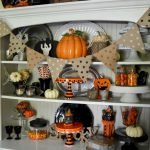 Vintage Halloween Decorating Farmhouse For Spooky Home 26