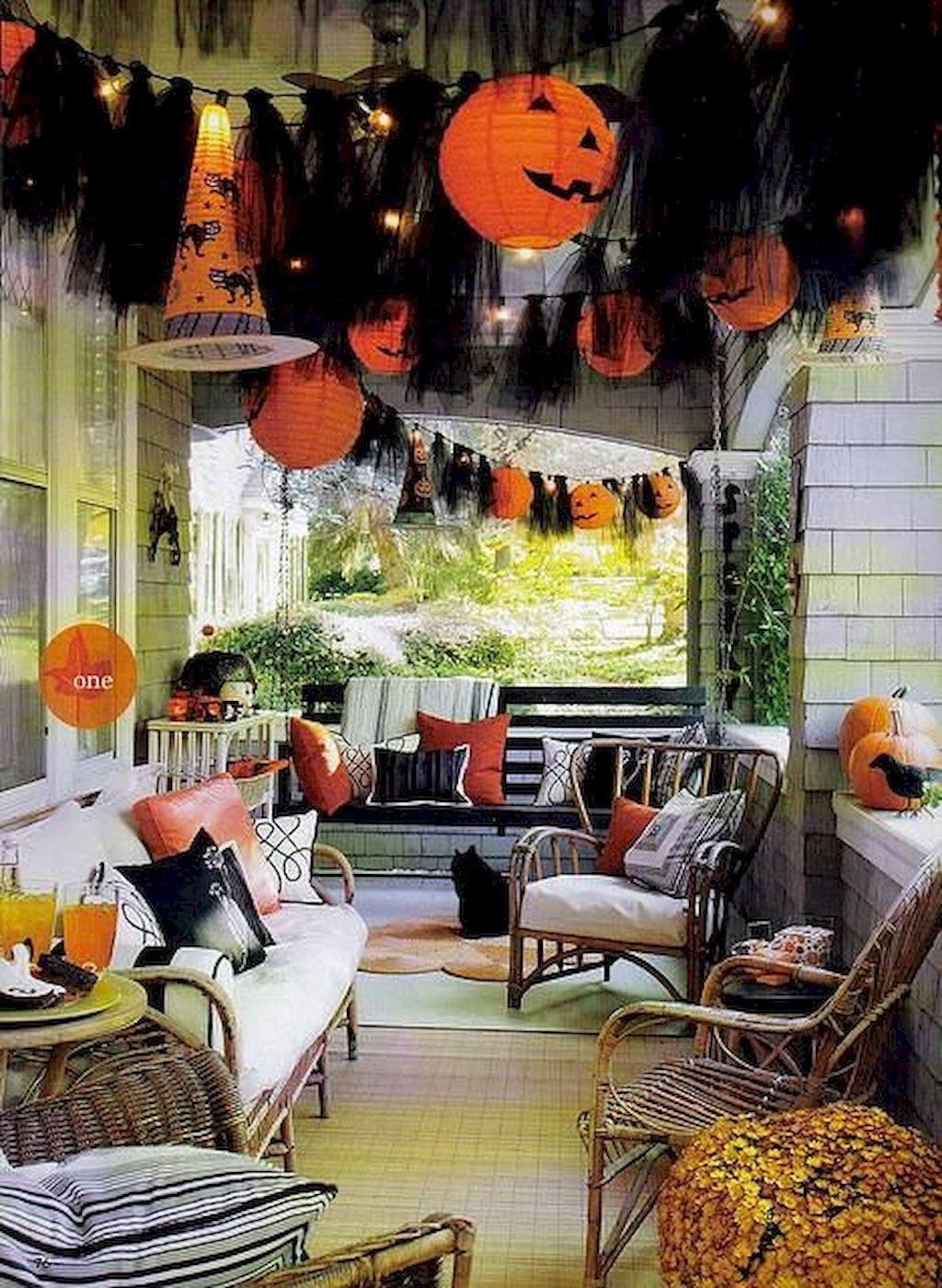 Vintage Halloween Decorating Farmhouse For Spooky Home 51