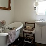 Enhancing The Feeling Of Space In Small Bathrooms 3
