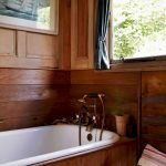 Enhancing The Feeling Of Space In Small Bathrooms 56