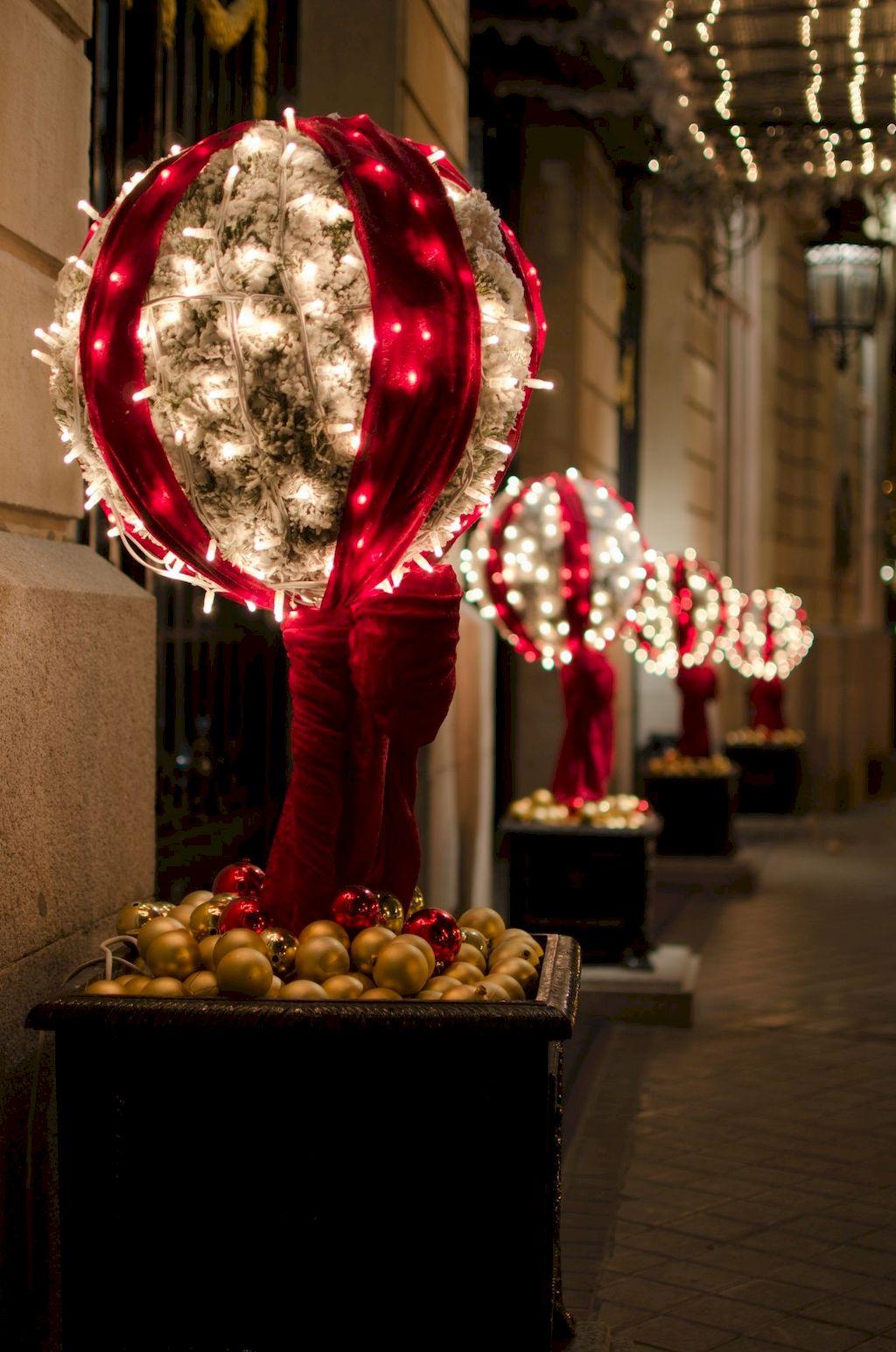 Adorable Outdoor Christmas Lights Decoration Ideas