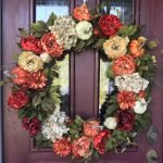 Beautiful Front Door Decoration For Fall 008