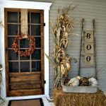Beautiful Front Door Decoration For Fall 014