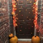 Beautiful Front Door Decoration For Fall 025