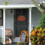Beautiful Front Door Decoration For Fall 026