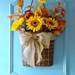 Beautiful Front Door Decoration For Fall 038