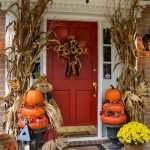 Beautiful Front Door Decoration For Fall 041