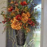 Beautiful Front Door Decoration For Fall 051