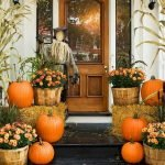 Beautiful Front Door Decoration For Fall 069