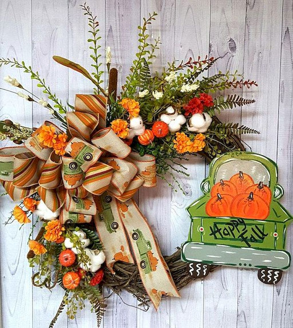 Beautiful Front Door Decoration For Fall 085