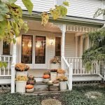 Beautiful Front Door Decoration For Fall 099