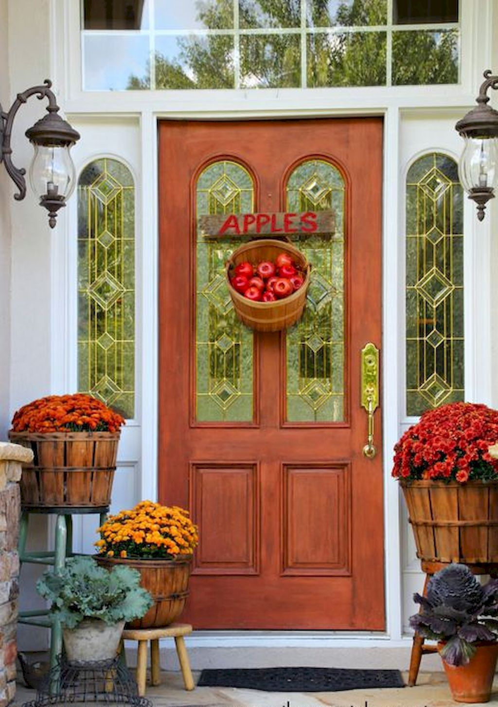 Beautiful Front Door Decoration For Fall 103