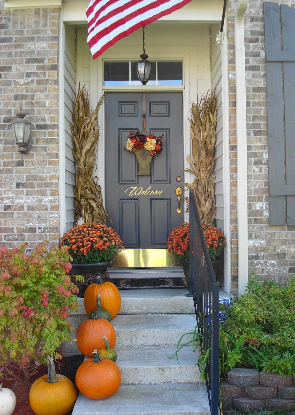 Beautiful Front Door Decoration For Fall 110
