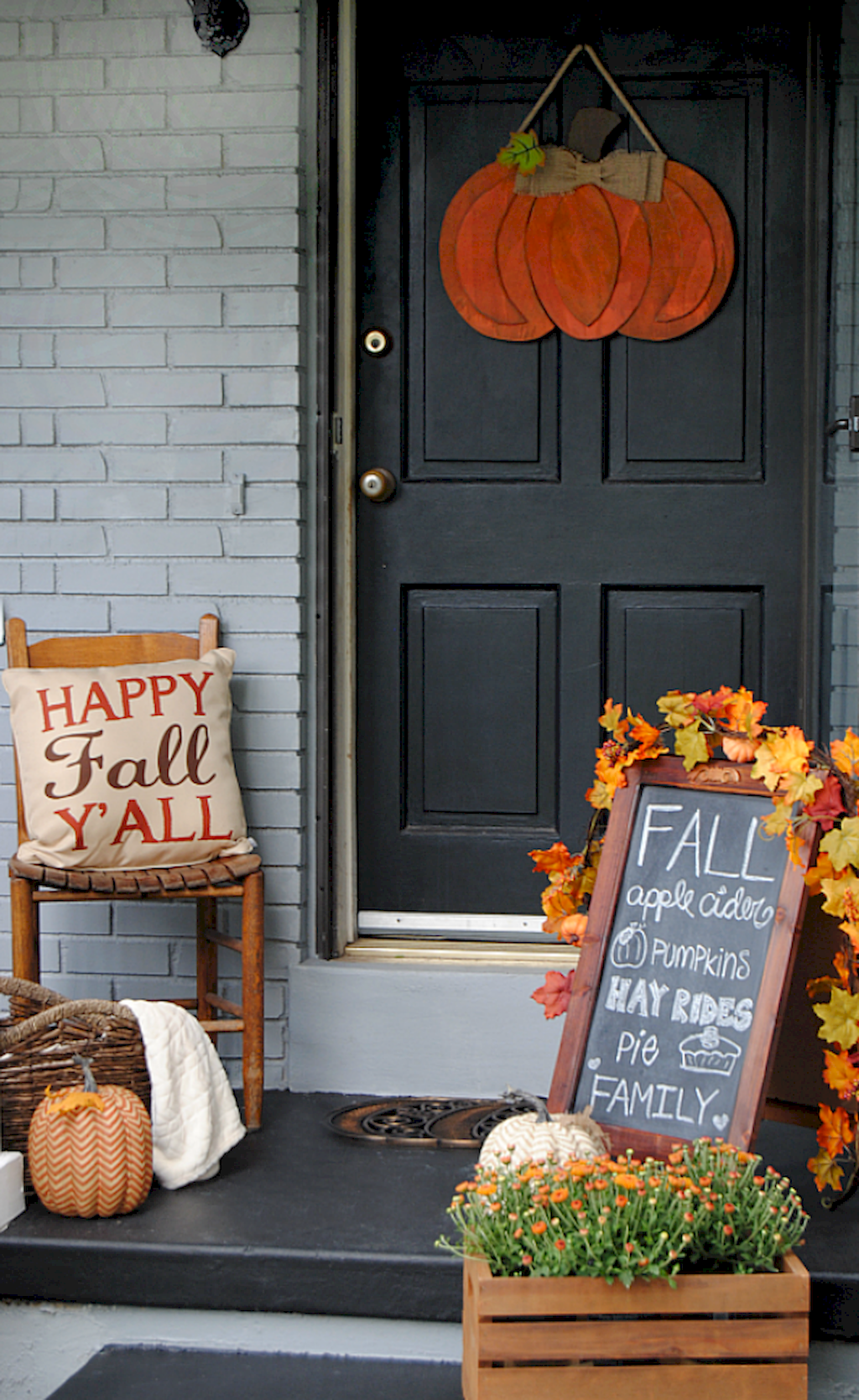 Beautiful Front Door Decoration For Fall 165