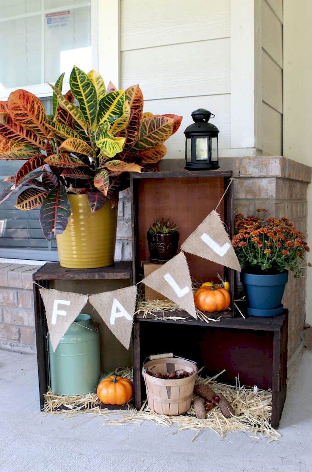Beautiful Front Door Decoration For Fall 254