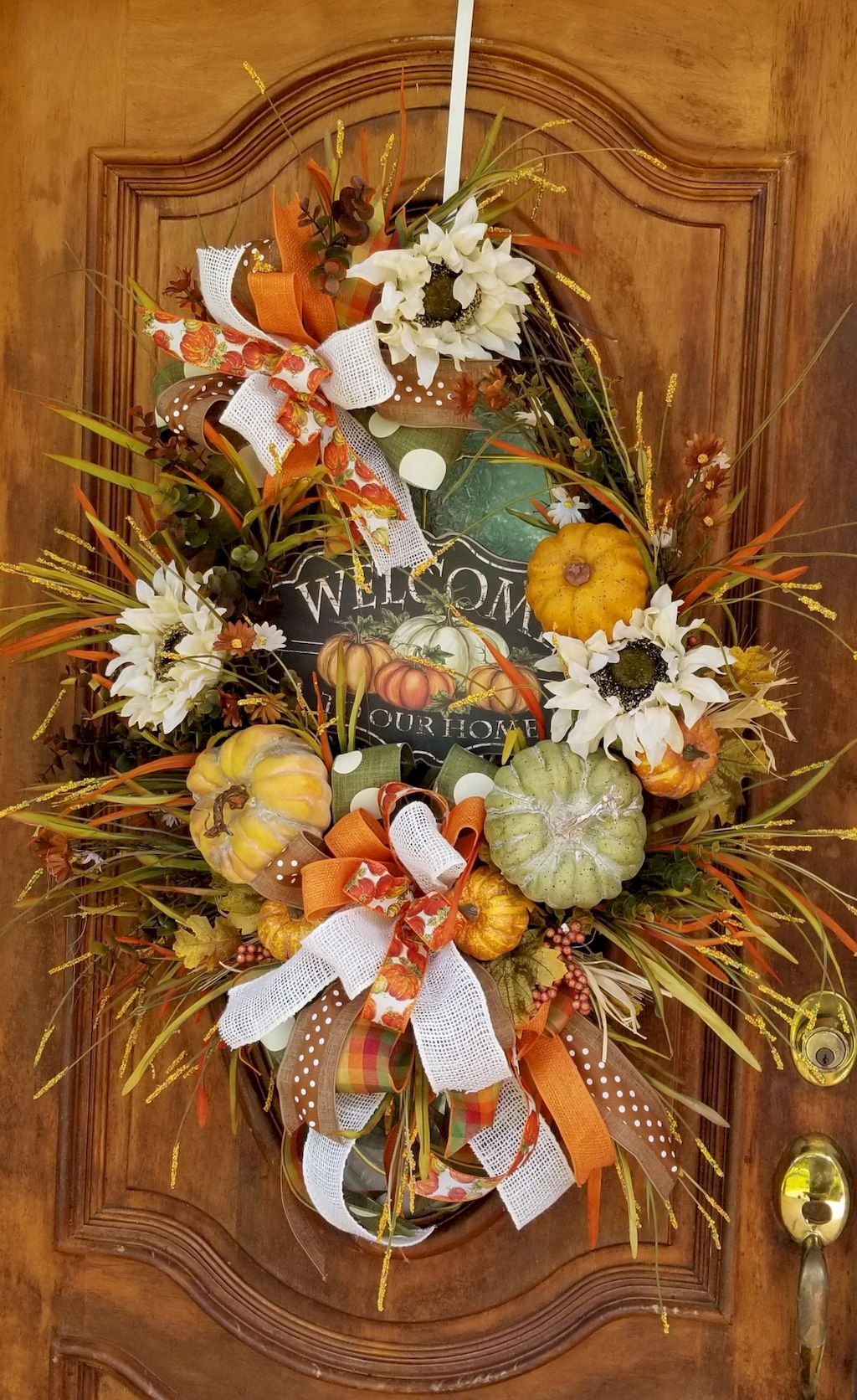Beautiful Front Door Decoration For Fall 266
