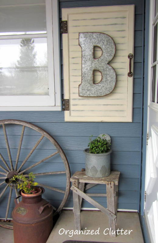 Big Letter Porch Decor #farmhouse #rustic #porch #decor #decorhomeideas