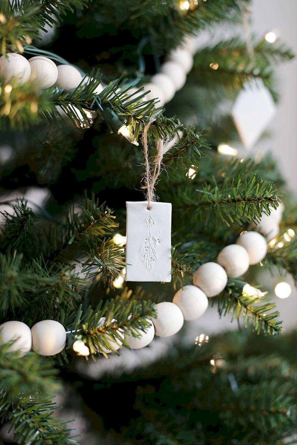 Brilliant Christmas Garland Decorating Ideas 006