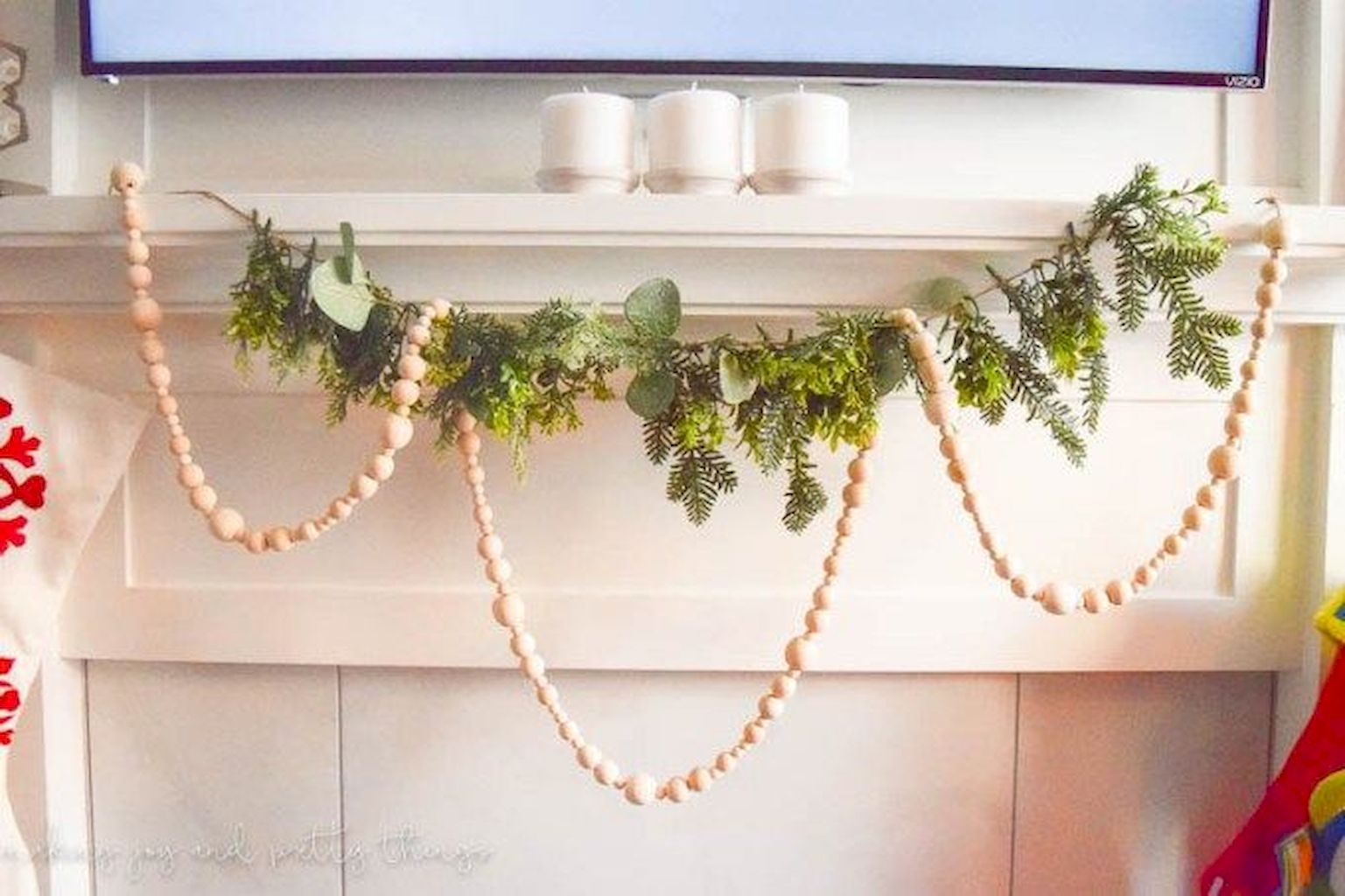 Brilliant Christmas Garland Decorating Ideas 020