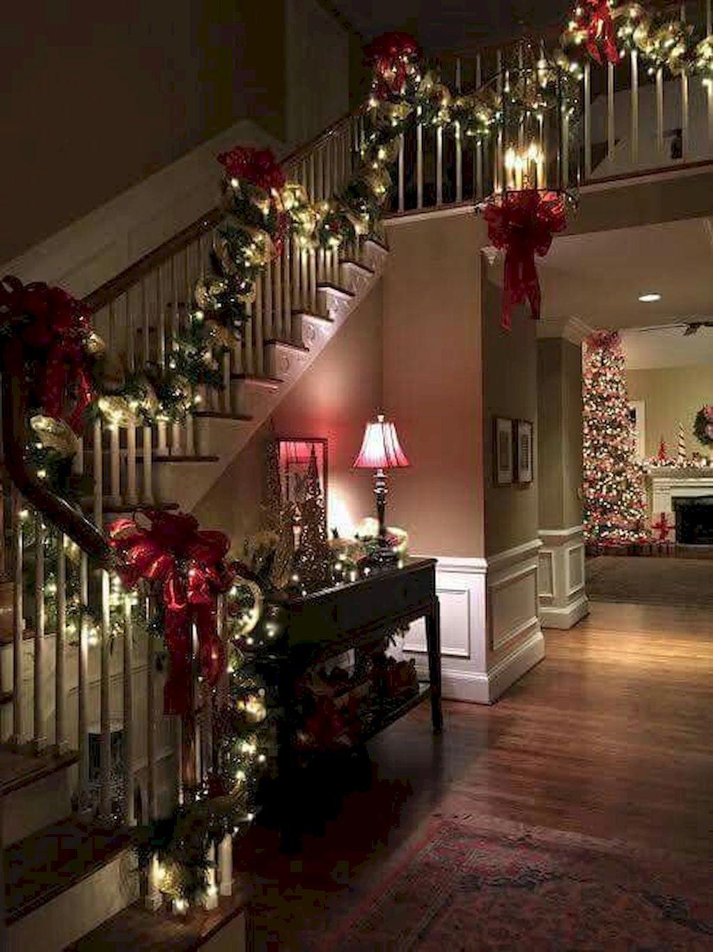 Brilliant Christmas Garland Decorating Ideas 035