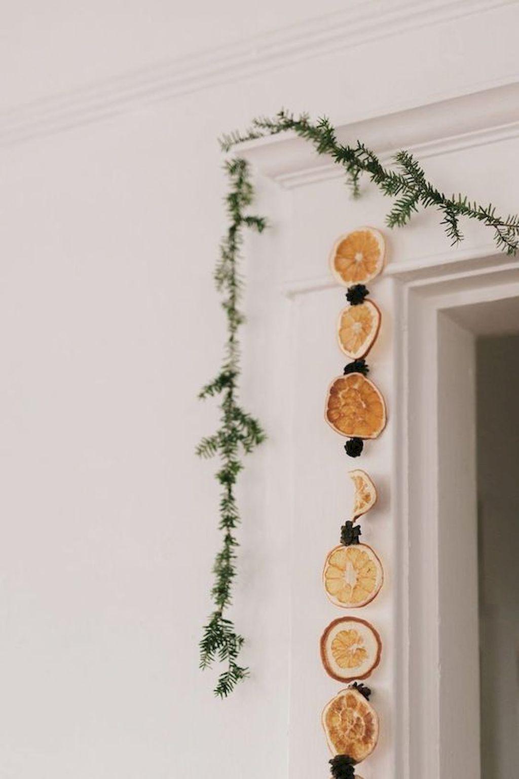 Brilliant Christmas Garland Decorating Ideas 046