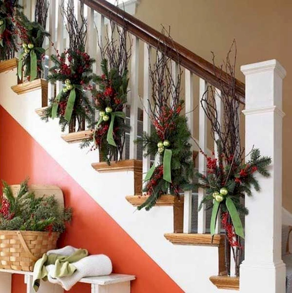 Brilliant Christmas Garland Decorating Ideas 067