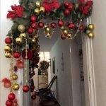 Brilliant Christmas Garland Decorating Ideas 085