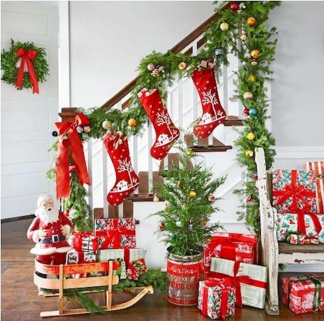 Brilliant Christmas Garland Decorating Ideas 096