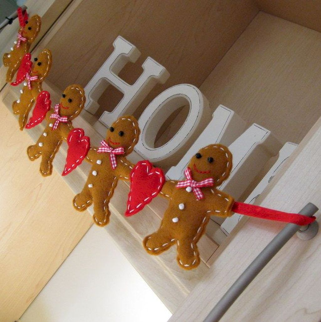 Brilliant Christmas Garland Decorating Ideas 104