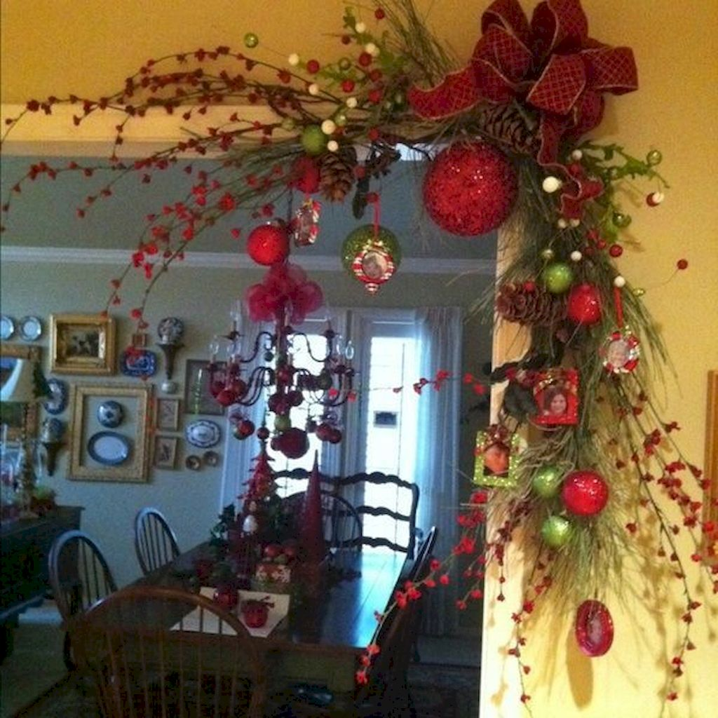 Brilliant Christmas Garland Decorating Ideas 112