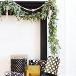 Brilliant Christmas Garland Decorating Ideas 121