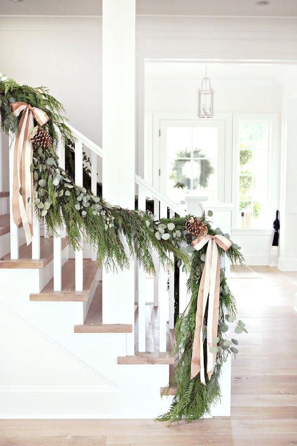 Brilliant Christmas Garland Decorating Ideas 124