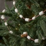 Brilliant Christmas Garland Decorating Ideas 162