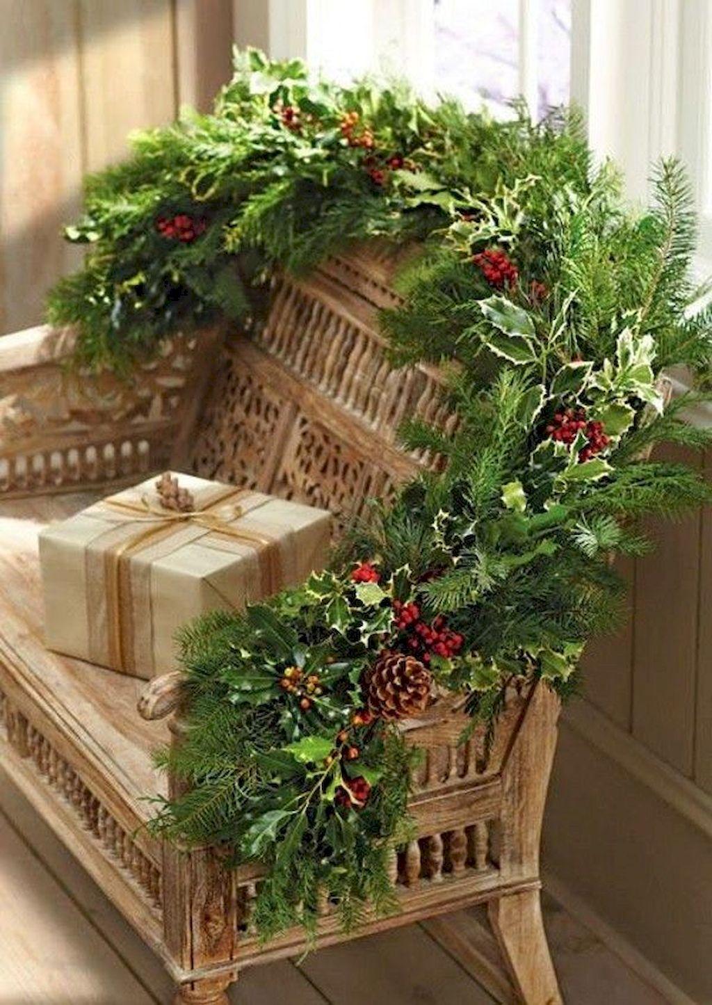 Brilliant Christmas Garland Decorating Ideas 169