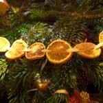 Brilliant Christmas Garland Decorating Ideas 192