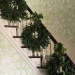 Brilliant Christmas Garland Decorating Ideas 196