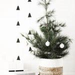 Brilliant Christmas Garland Decorating Ideas 203