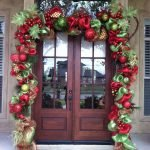Brilliant Christmas Garland Decorating Ideas 204